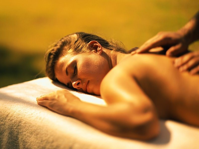 Эротический массаж с выездом на дом в москве 10 фотография